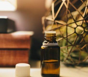 Blog Luna Herbs Wildkräuter_So wirken ätherische Öle